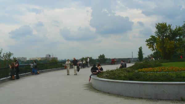 http://www.warszawska.info/stare-miasto/zdjecia-ulic/brzozowa/brzozowa-taras1060070.jpg